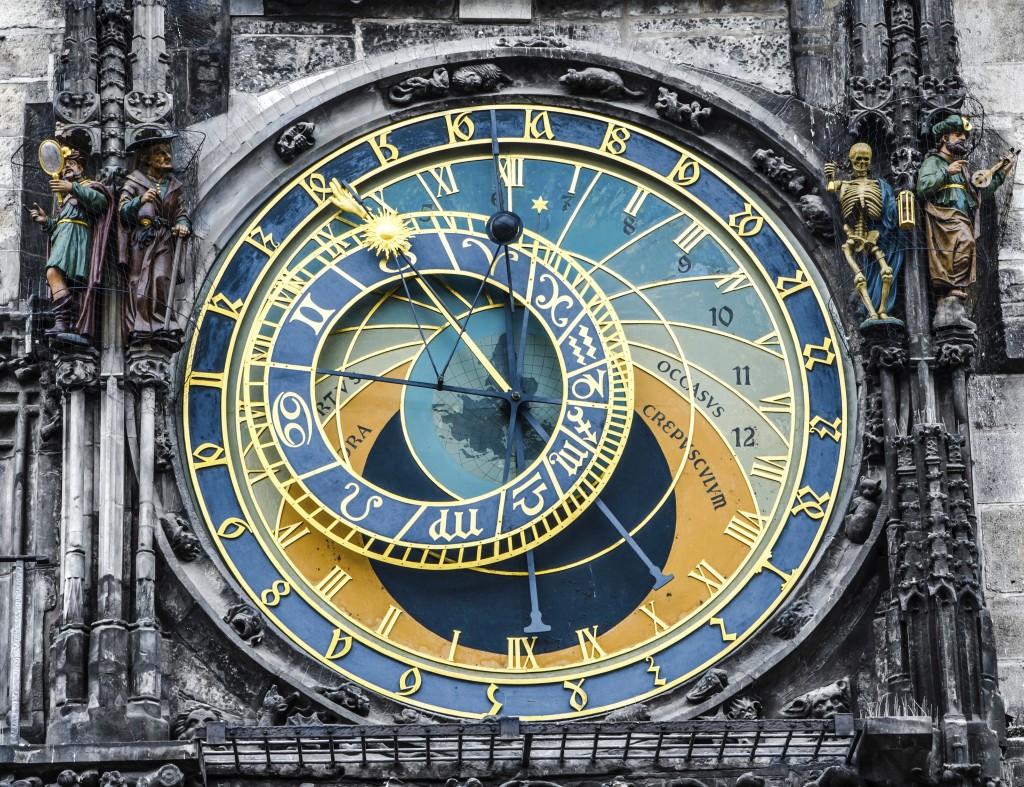 179089555_czech_prague_Astronomical_clock_rf_63509